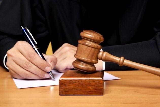 Судья составляет решение по делу